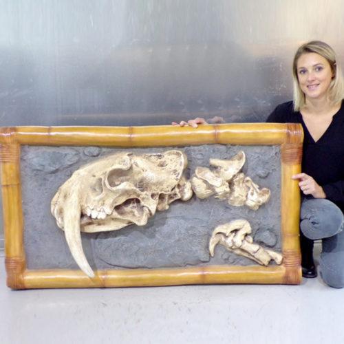 tableau-décor-dinosaure tigre dent de sabre nlc déco deco dino resine