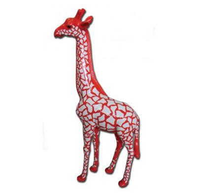 Girafe écailles rouge