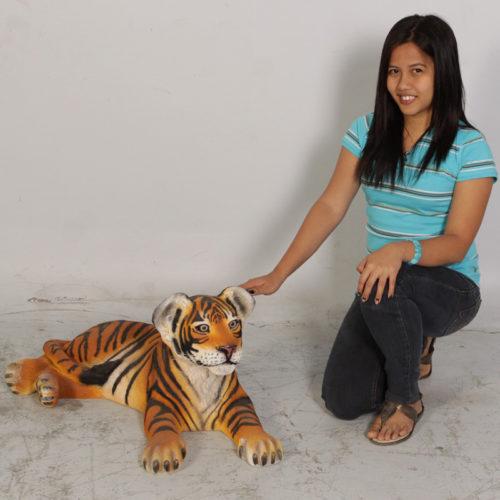 Bébé tigre couché NLC DECO
