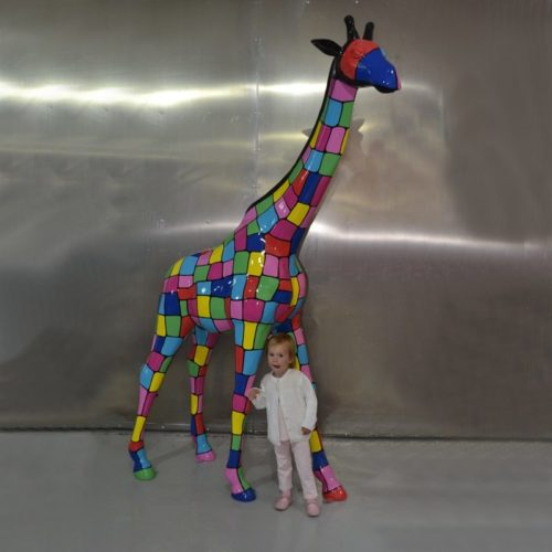 Girafe carré de toutes les couleurs nlcdeco