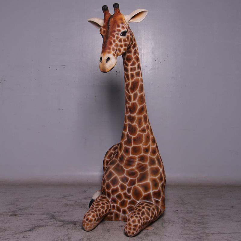 Girafe couchée   Décors, figurines et animaux exotiques résine