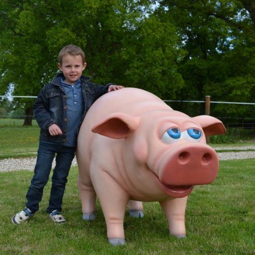 Statue cochon rigolo en résine nlcdeco