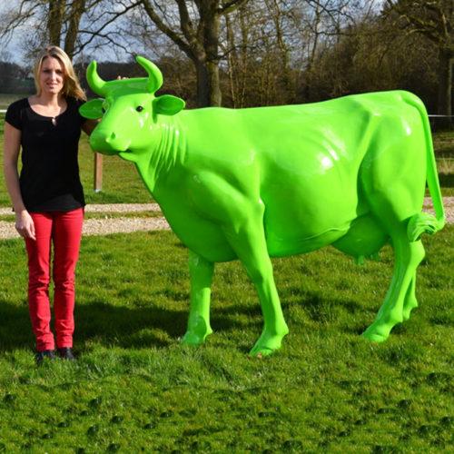 Vache-couleur-verte www.nlcdeco.fr animaux et décoration en résine
