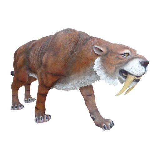 tigre à dents de sabre taille réelle