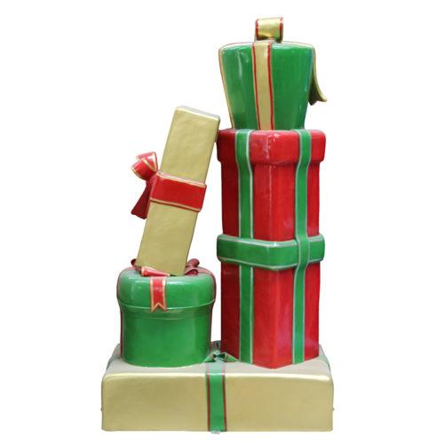 Paquets cadeaux empilées D