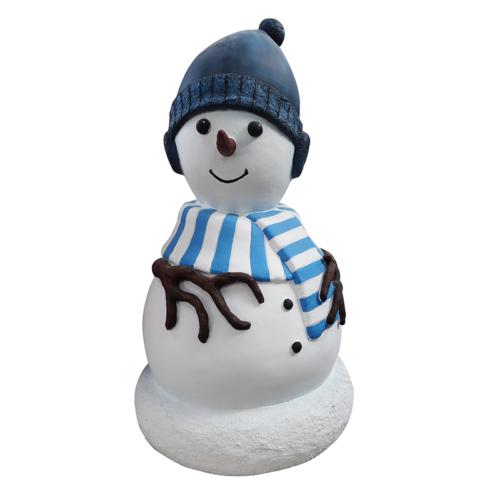 Petit garçon bonhomme de neige