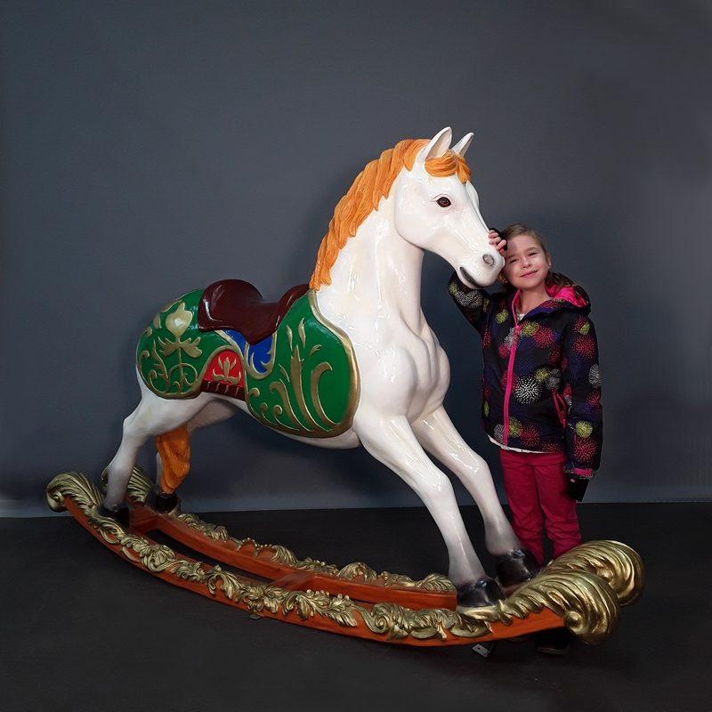 Cheval de carrousel à bascule nlcdeco