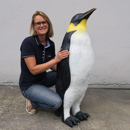 Pingouin femelle R019 nlcdeco manchot animaux en resine deco noel resine plastique