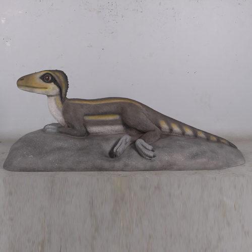 170203 Therepod bébé allongé dinosaure en résine nlcdeco déco