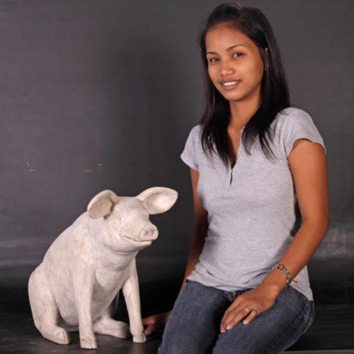 Cochon assis PM pierre blanc NLC DECO