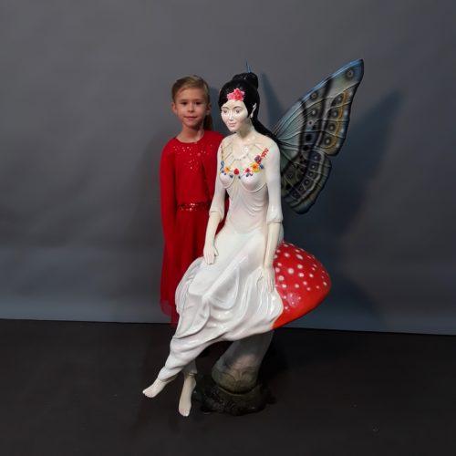 Fée avec ailes de papillons nlcdeco