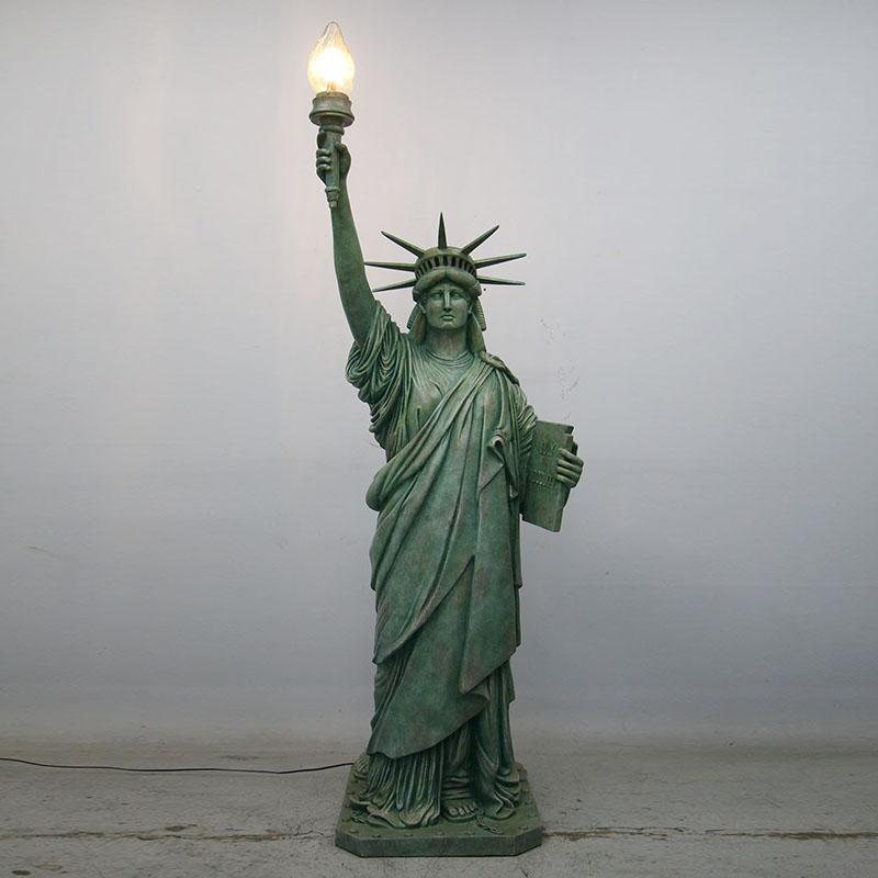Statue de la liberté géante