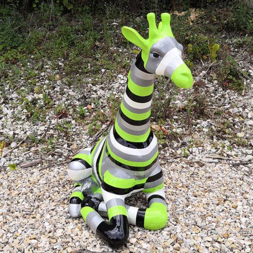 girafe assise rayures verte couleur nlcdeco.fr decoration animaux en resine