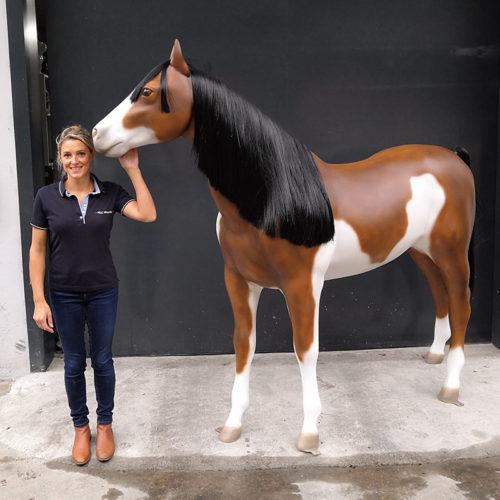 magnifique cheval avec crins noir nlcdeco.fr animaux et personnages en resine (9)