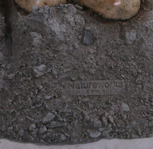 Oeufs-de-dinosaures-nlcdeco-décoration-en-résine-nid-en-pierre.jpg