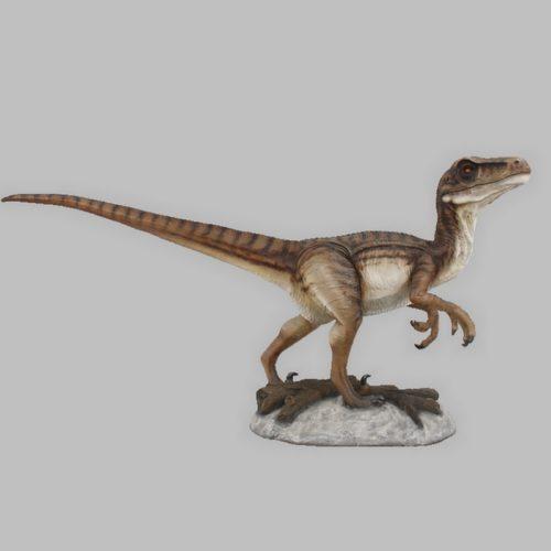 Velociraptor-bouche-fermée-nlcdeco-dinosaure-taille-réelle-3D-grandeur-nature-vue-côté-animaux-en-résine-détails.jpg