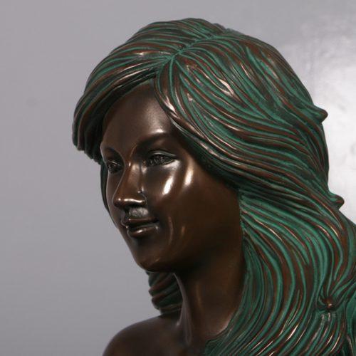 sirène-sur-son-rocher-nlcdeco-décoration-en-résine-thème-marin-légende-monde-aquatique-visage.jpg