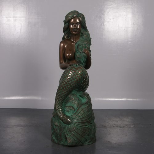 sirène-sur-son-rocher-nlcdeco-décoration-en-résine-thème-marin-légende-monde-aquatique-vue-de-face.jpg