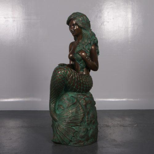 sirène-sur-son-rocher-nlcdeco-décoration-en-résine-thème-marin-légende-monde-aquatique-vue-profil.jpg