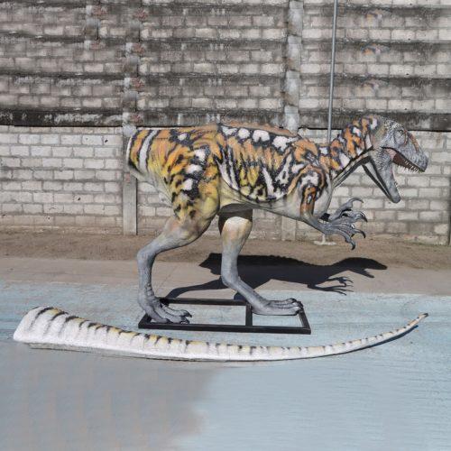 Dinosaure carnivore en résine queue démontable nlcdeco