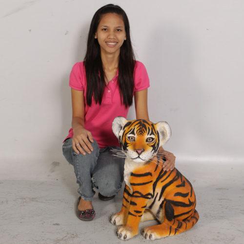 Bébé tigre assis NLC DECO