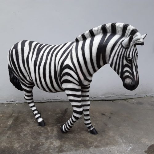 zèbre-animaux-dAfrique-savane-décor-en-résine-nlcdeco-équidé-Australie-vue-densemble-.jpg