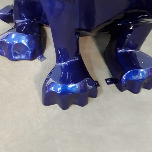 Lion assis et ses pattes de fixation nlcdeco