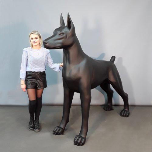 Doberman noir mat chien décoration moderne nlcdeco