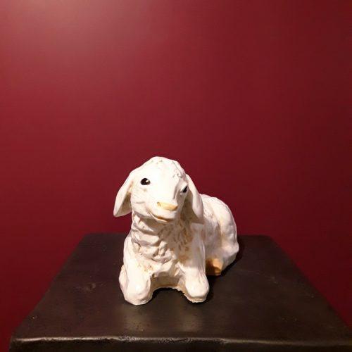 Statue animal résine agneau couché nlcdeco