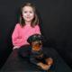 Statuette chiot Rottweiler couché en résine nlcdeco